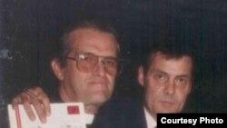El padre Loredo junto a Nicolás Pérez Diez-Argüelles (2do de izq. a der.).