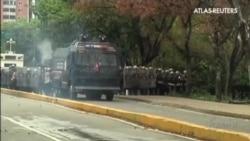 España suspende la venta de material antidisturbios a Venezuela