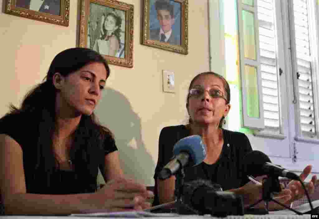 Familia Payá durante una rueda de prensa en La Habana, Cuba