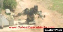 """Armas """"obsoletas"""": Radar Fan Song sobre un blindado en Holguín (foto Cuba al Descubierto)"""