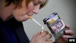 Cuba y otros paíss tabacaleros se han quejado a la OMC de una ley australiana que obliga a vender cigarrillos en paquetes sin publicidad y con fotos de las consecuencias de fumar.
