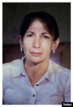 La Dama de Blanco Leticia Ramos Herrería.
