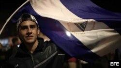 Cientos de personas protestan en Costa Rica contra el gobierno de Ortega en Nicaragua.
