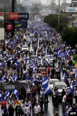 """Nicaragüenses protestaron en todo el país con la marcha """"Unidos somos un volcán""""."""