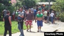 Migrantes cubanos en Puerto Obaldía (La Prensa).