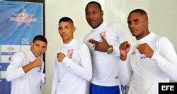 De izquierda a derecha, los integrantes del equipo cubano de boxeo Yosbany Veitía, Marcos Forestal, Erislandy Savón y Ramón Luis.