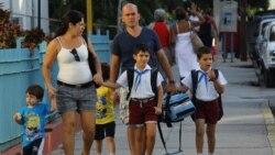 Pedagogos cubanos critican envío de maestros a Jamaica