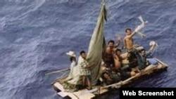 Grupo de balseros cubanos frente a las costas de Panamá. Archivo
