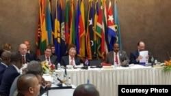 Raúl Castro inaugura en Antigua la 6ta cumbre Cuba-Caricom.