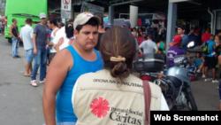 Voluntarios de Cáritas de Panamá, en Paso Canoas.