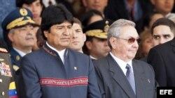 Evo Morales y Raúl Castro.
