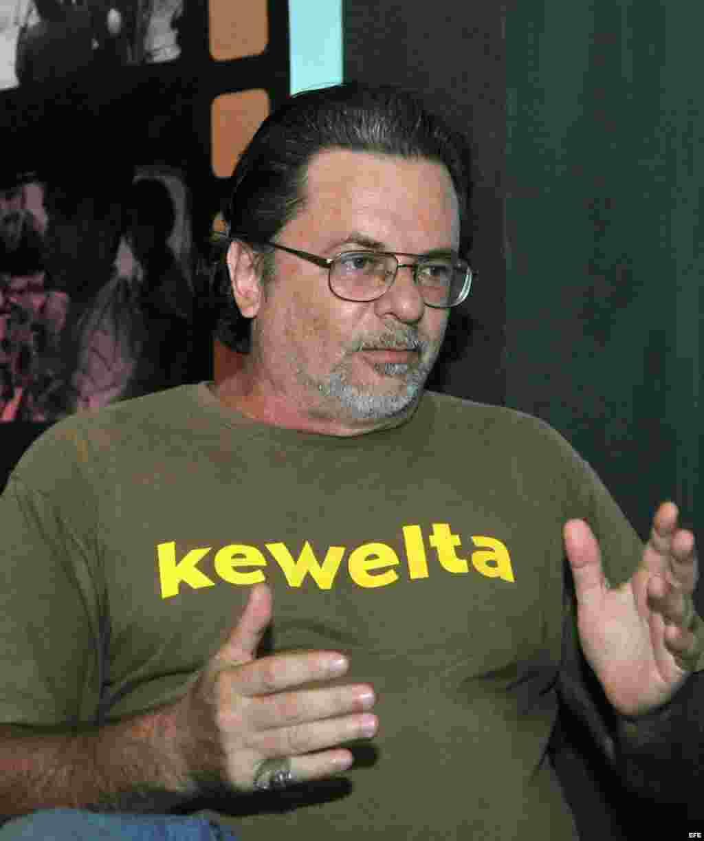 """Eduardo del Llano en entrevista sobre su producción """"Omega-3""""."""