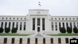Fachada principal del edificio de la Reserva Federal, en Washington, Estados Unidos.