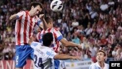 Un partido correspondiente a la séptima jornada de la Liga de Primera División en el estadio Vicente Calderón de Madrid