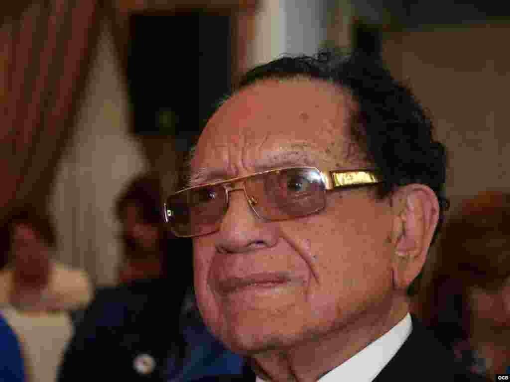Homenaje al Dr. Luis Conte Aguero en su 96 Aniversario de su nacimiento.