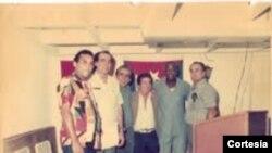 Biquin junto a expresos políticos cubanos en Caracas