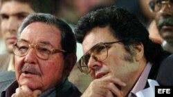 Raúl Castro y Abel Prieto (i-d).