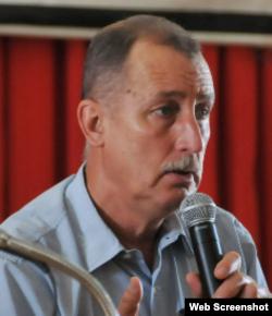 El economista cubano Juan Triana.