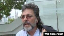 Abel Prieto, asesor de Raúl Castro, en la entrevista difundida en Internet.