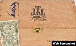 Caja de tabaco, firmada por el fallecido dictador cubano Fidel Castro.