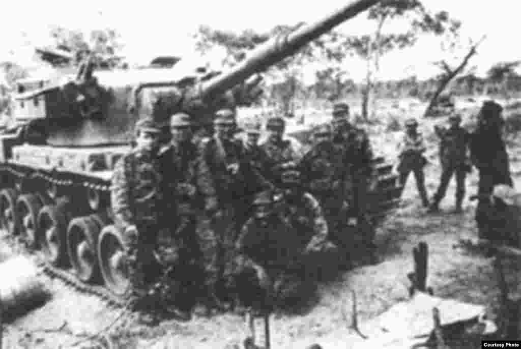 Radio Martí desde sus primeras transmisiones reveló las pérdidas humanas y económicas que la guerra de Angola infligía sobre los cubanos. Una información que los medios en la isla ocultaban.