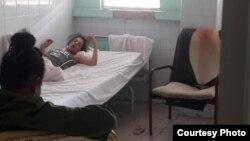 Keilylli de la Mora en el hospital de Cienfuegos. Tomado de Facebook de Raúl González