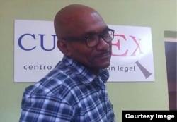El abogado independiente cubano Julio Ferrer, miembro de la consultoría gratuita Cubalex