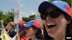 Venezolanos protestan frente a la OEA previo a reunión de cancilleres