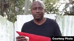El activista de derechos humanos Adrián Curuneaux Stevens.