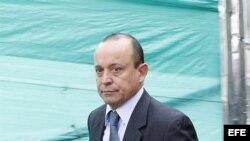 Santiago Uribe Vélez, hermano menor del expresidente colombiano Álvaro Uribe, investigado por presuntos vínculos con grupos paramilitares.