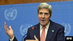 El secretario de Estado estadounidense, John Kerry, ofrece una rueda de prensa en la que habló sobre las armas químicas en Siria, en el Palacio de las Naciones en Ginebra (Suiza) hoy, viernes 13 de septiembre de 2013