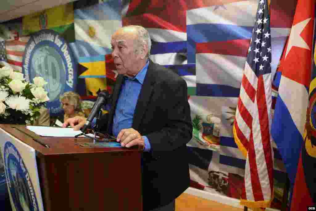 El expreso y escritor Ernesto Díaz Cruz en un acto celebrado en el Pen Club de Escritores Cubanos en el Exilio como recordación y condena en memoria de todos los periodistas asesinados en nuestra región, el pasado viernes 2 de noviembre de 2018. Foto Rob
