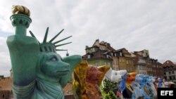 """Exposición """"Amigos osos unidos"""" que viajará a Cuba en 2015."""