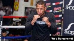 Sullivan Barrera entrena para su próximo combate.