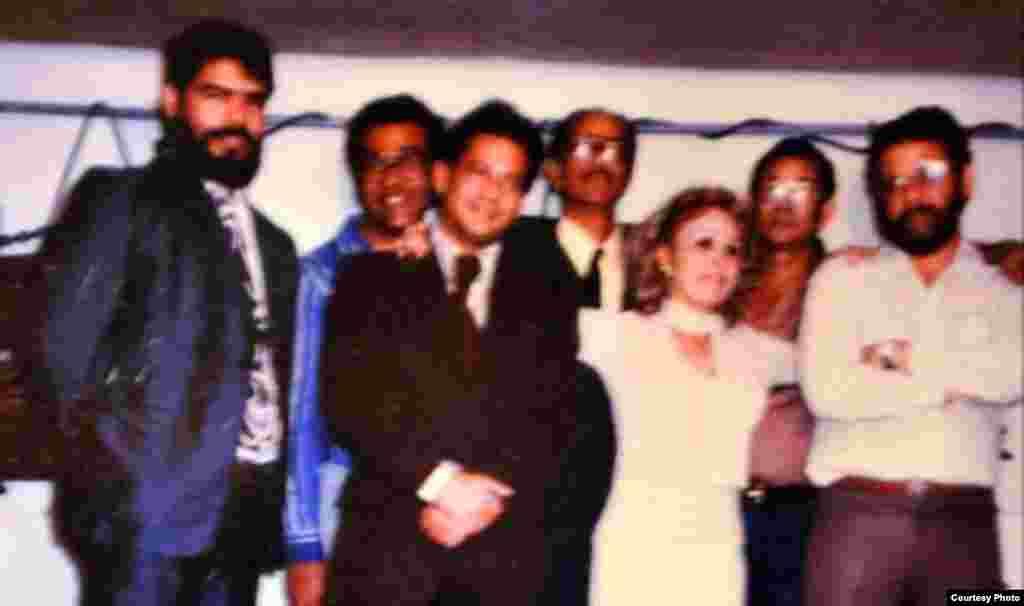 En 1987, por primera vez una mesa redonda con disidentes cubanos que integraban el Comité Cubano Pro Derechos Humanos, fue transmitida a la isla.