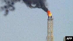 Torre de petróleo de PDVSA.