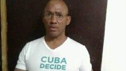 Maikel Herrera Bones reclama con una protesta atención médica especializada
