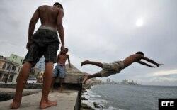 """Ted Henken: """"Cuba tiene una población educada, pero no tiene nada que ofrecerle""""."""