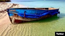 """La embarcación en la que arribaron los 29 cubanos"""". (Foto: CBP AMO Regional Director SE/Twitter)"""