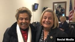 Fotografía publicada el 28 de noviembre de 2018 que muestra a Donna E. Shalala junto a Ileana Ros-Lehtinen. Tomado de @DonnaShalala