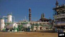 La refinería de Cienfuegos opera con crudo venezolano.