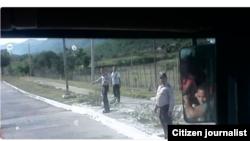 Reporta Cuba Policías detienen autos en Punto de Control carretera al Cobre Foto UNPACUPress