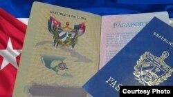 Pasaportes cubanos.