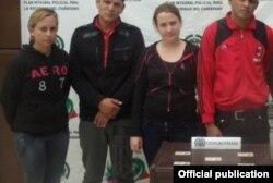 Estos cuatro cubanos detenidos en Ipiales, Dpto. de Nariño, portaban cédulas colombianas falsas.