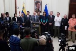Venezuela abril 2014: La MUD durante conversaciones con Gobierno de Maduro en presencia de UNASUR y Nuncio Apostólico