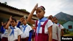 Una niña en la escuela de Santo Domingo en Villa Clara. REUTERS/Alexandre Meneghini