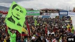 Miles de simpatizantes del presidente ecuatoriano, Rafael Correa.