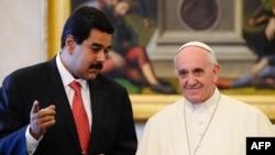Nicolás Maduro durante una audiencia privada con el papa Francisco en el Vaticano, en junio de 2013.