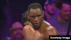 Captura de video de una pelea del peso completo cubano Frank Sánchez Faure.