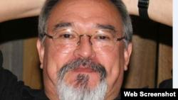 Alfredo Pong, arquitecto, caricaturista, músico y escritor cubano radicado en Miami